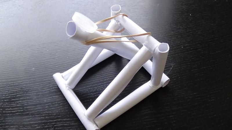 сделать катапульту из бумаги своими руками