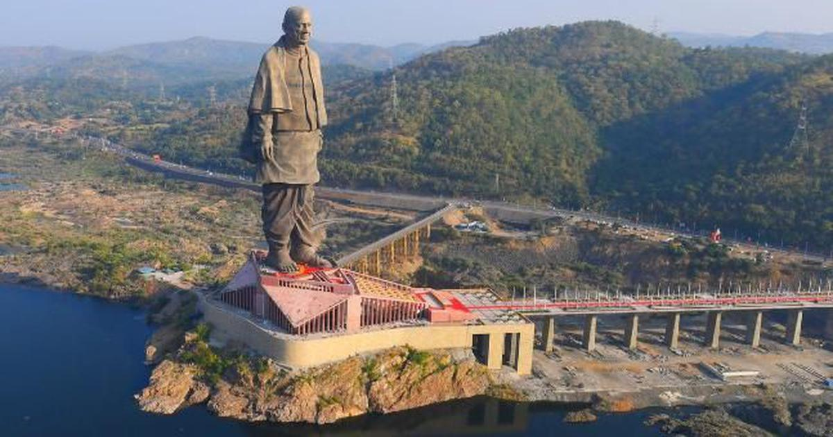 Dec10 2018 statueunity %282%29