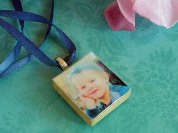 Make a Scrabble Tile Picture Pendant For Mother's Day
