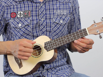 "Learn to play ""Happy Birthday"" on the Ukulele"